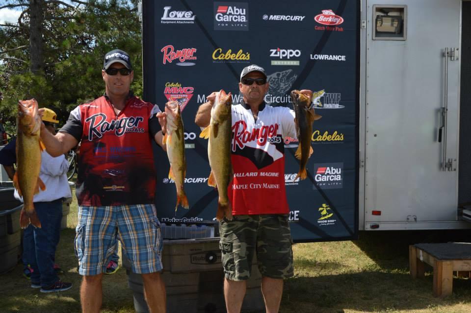 MI winners with fish